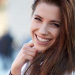 Engáñate sonriendo