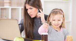 Cómo ser una madre trabajadora y no morir en el intento