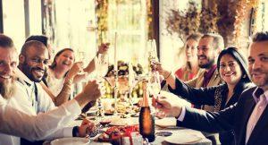 Trucos psicológicos para comer menos durante las fiestas